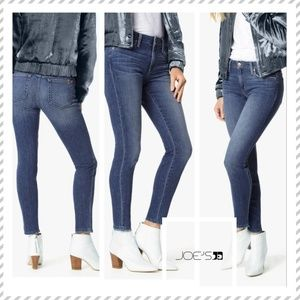 JOE'S JEANS Skinny Ankle Raw Hem Jeans in Sinclair